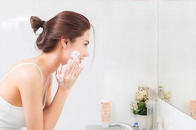 Sữa rửa mặt cho da nhạy cảm