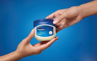 Son dưỡng Vaseline